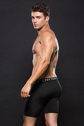 Zwarte boxer met lange pijpen